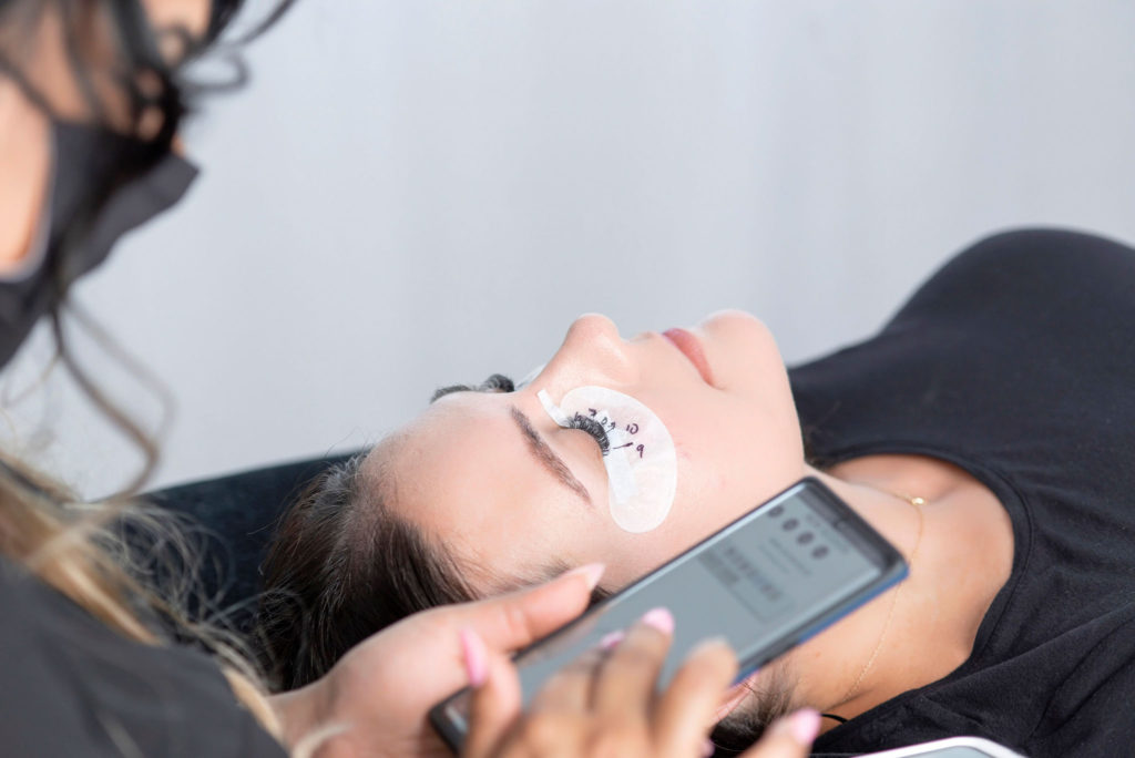 must have apps for lash artists and lash techs, free eyelash extensions training